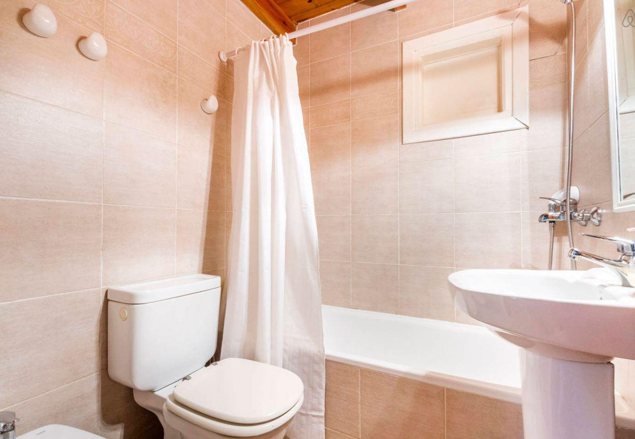 Hermoso baño con tina BOG Río Bonito Villa La Angostura