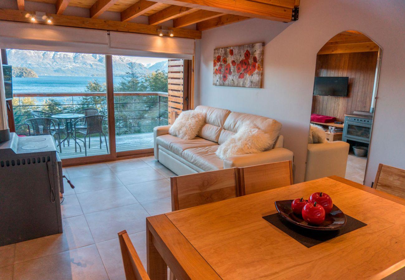 Calido living comedor BOG Atardeceres del Lago 3 Villa La Angostura