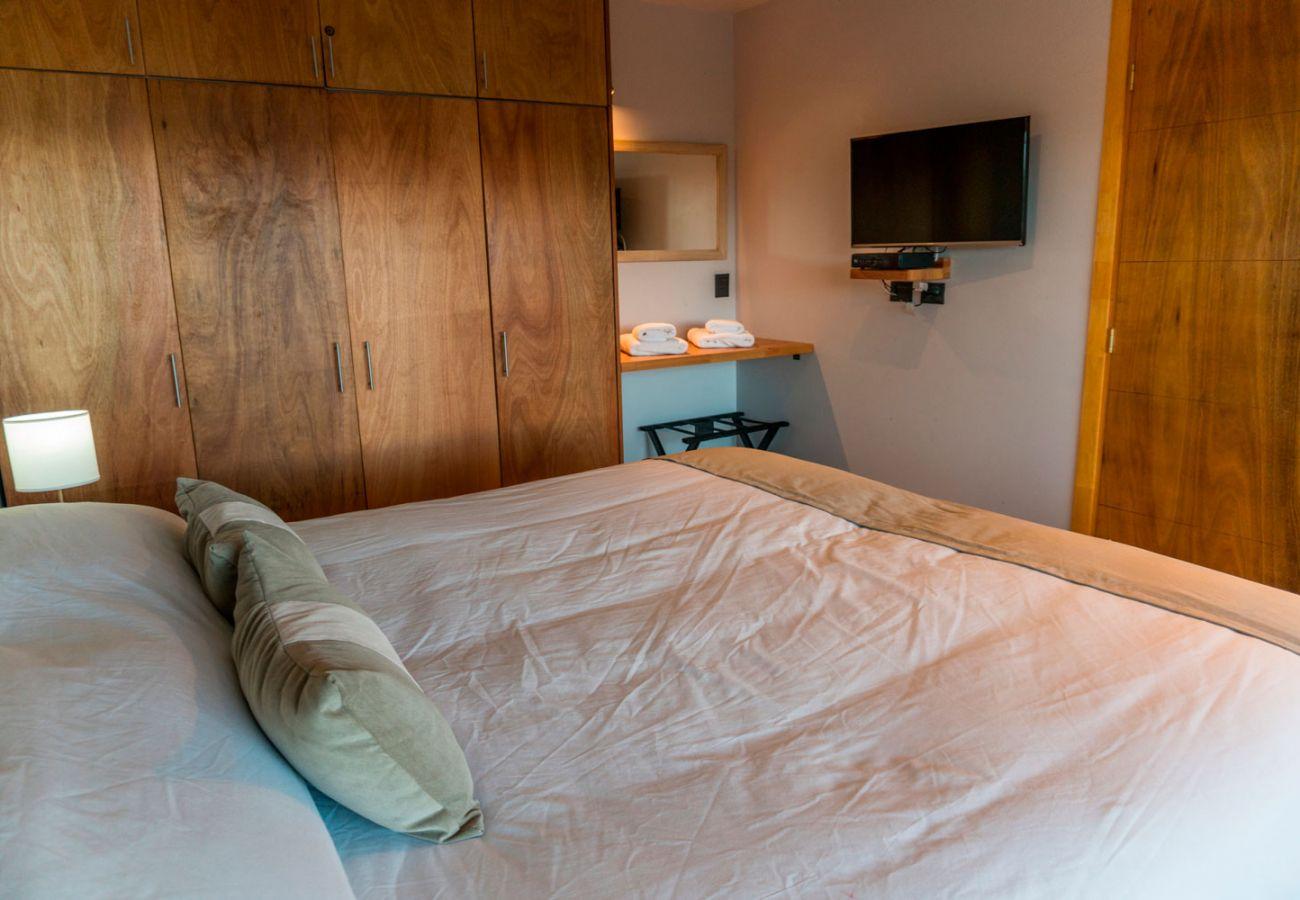 Dormitorio amueblado BOG Atardeceres del Lago 3 Villa La Angostura