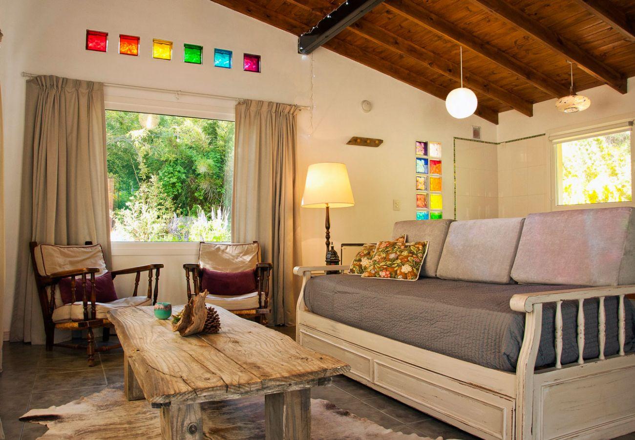 Hermoso living BOG Casa Tashi Villa La Angostura