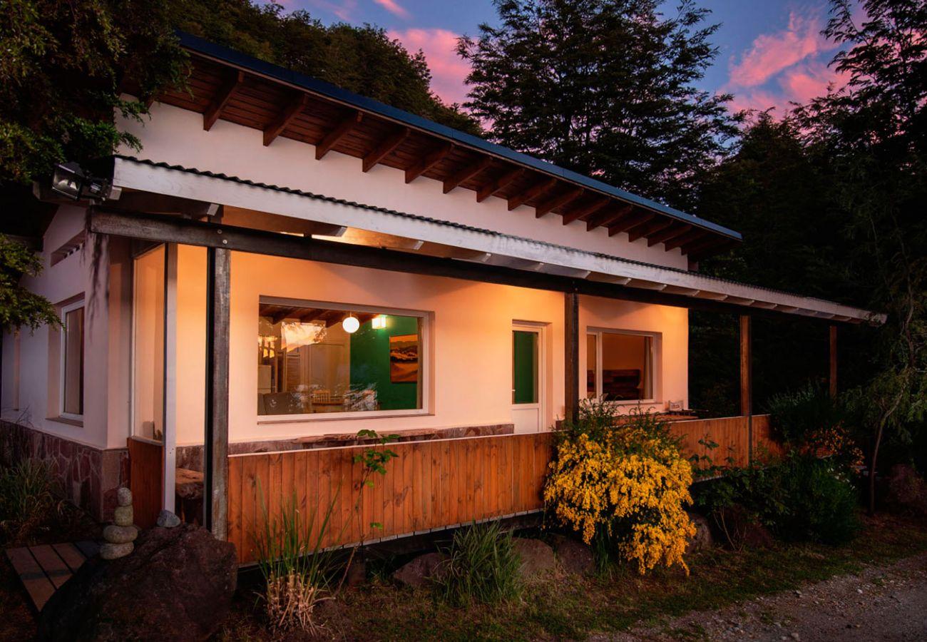 Hermosa casa amueblada vista al lago BOG Casa Tashi Villa La Angostura