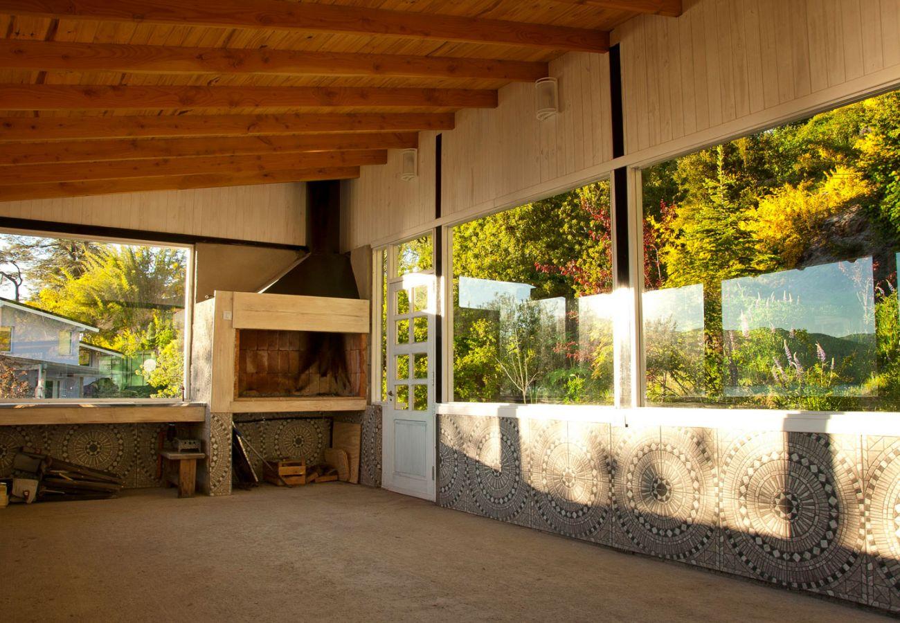 Parrilla con vista al lago BOG Casa del Río Villa La Angostura