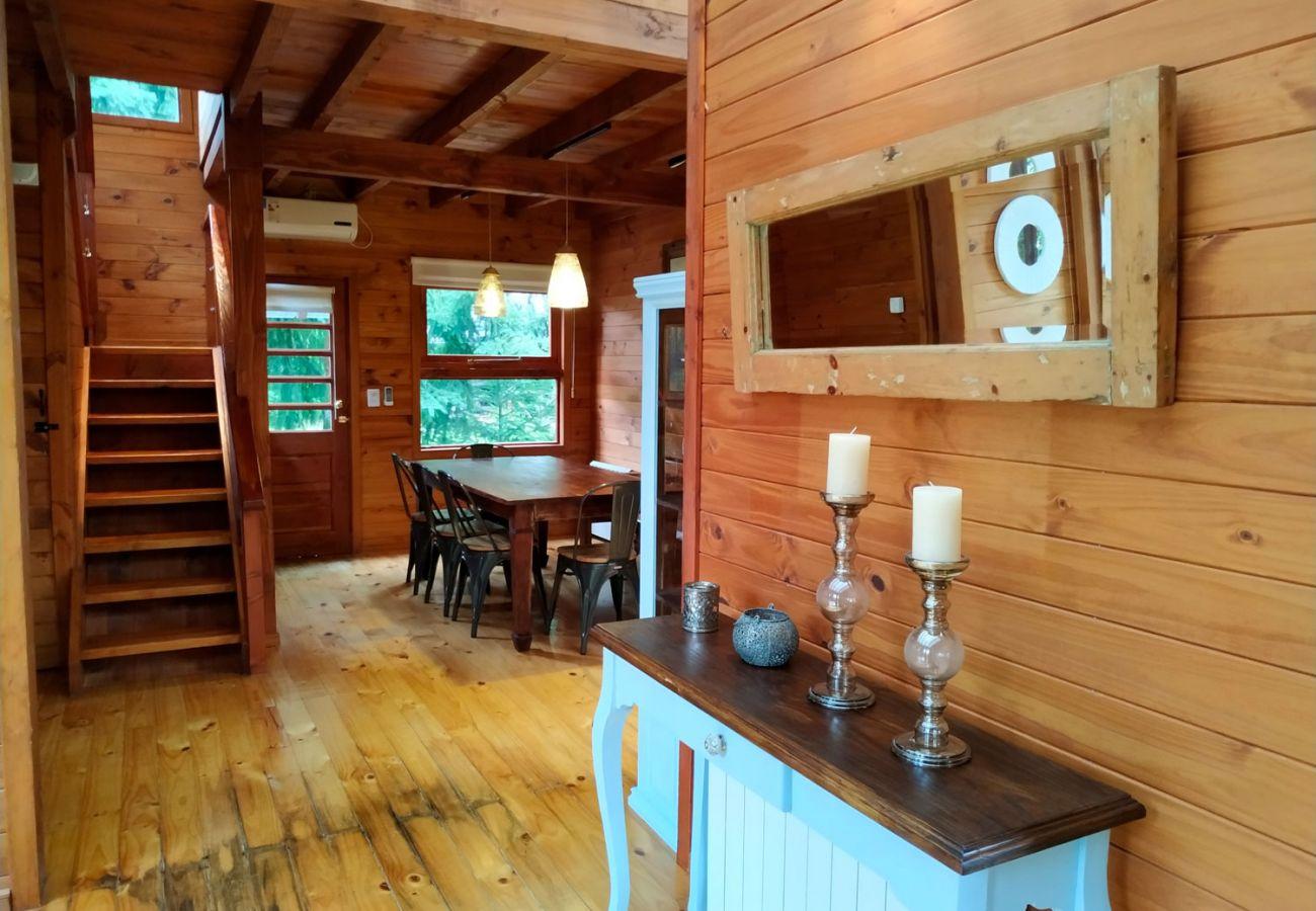 Escalera moderna de madera BOG Sulla Montagna Villa La Angostura