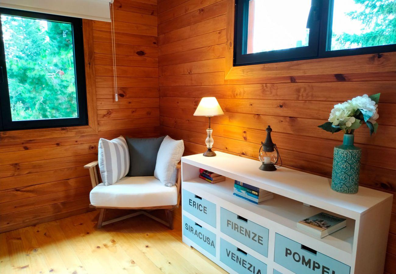Dormitorio amueblado BOG Sulla Montagna Villa La Angostura