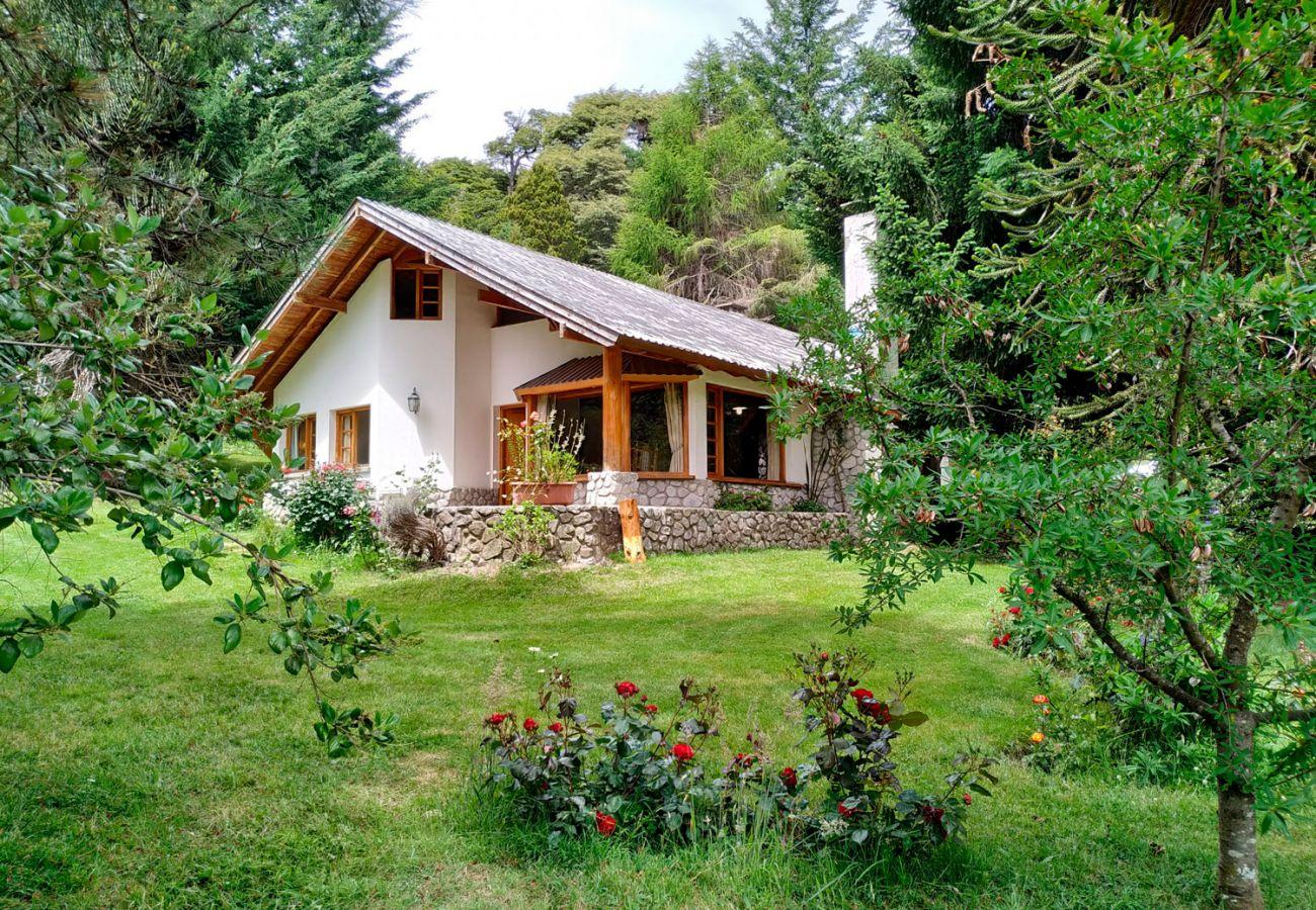 Hermosa casa de 1980 BOG Pichi Ruca Villa La Angostura