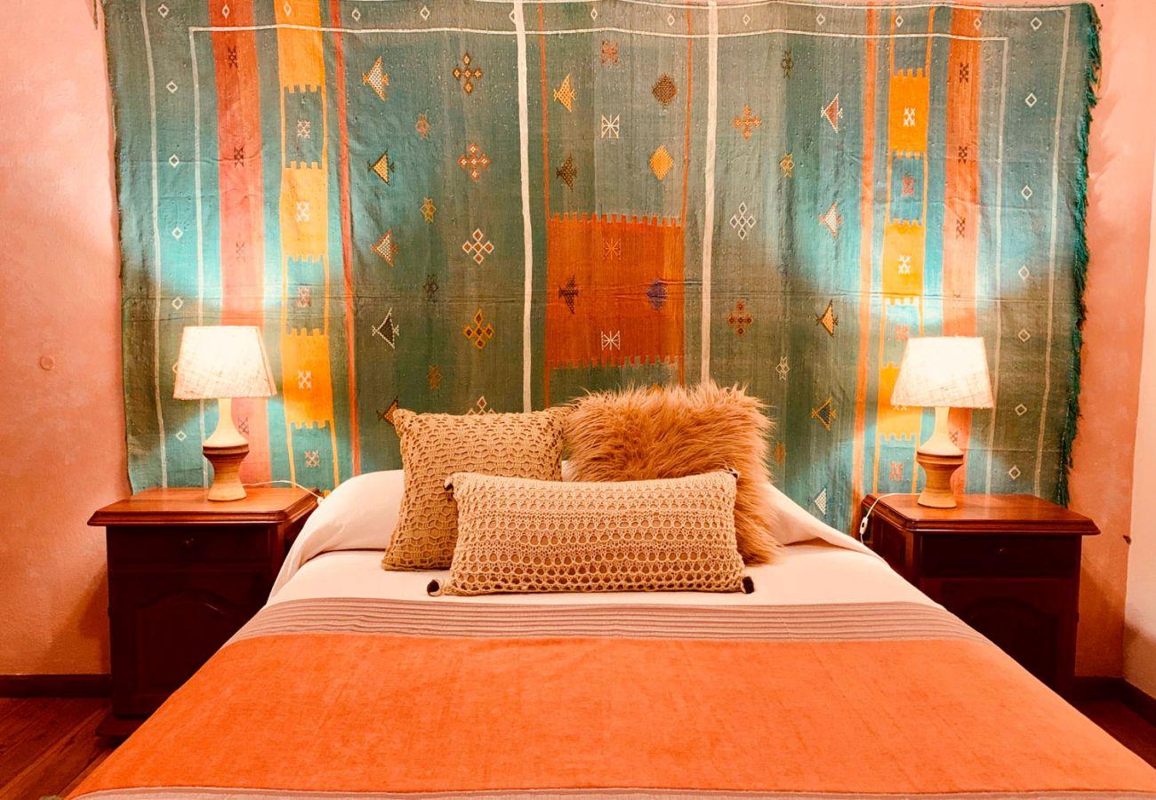 Comodo dormitorio matrimonial BOG Pichi Ruca Villa La Angostura