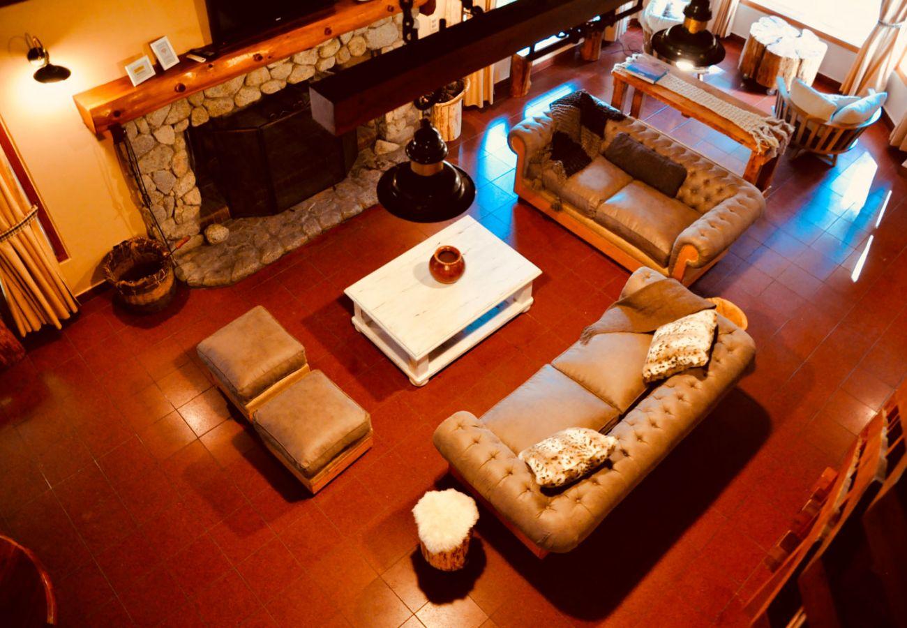 Calido living amueblado BOG Pichi Ruca Villa La Angostura