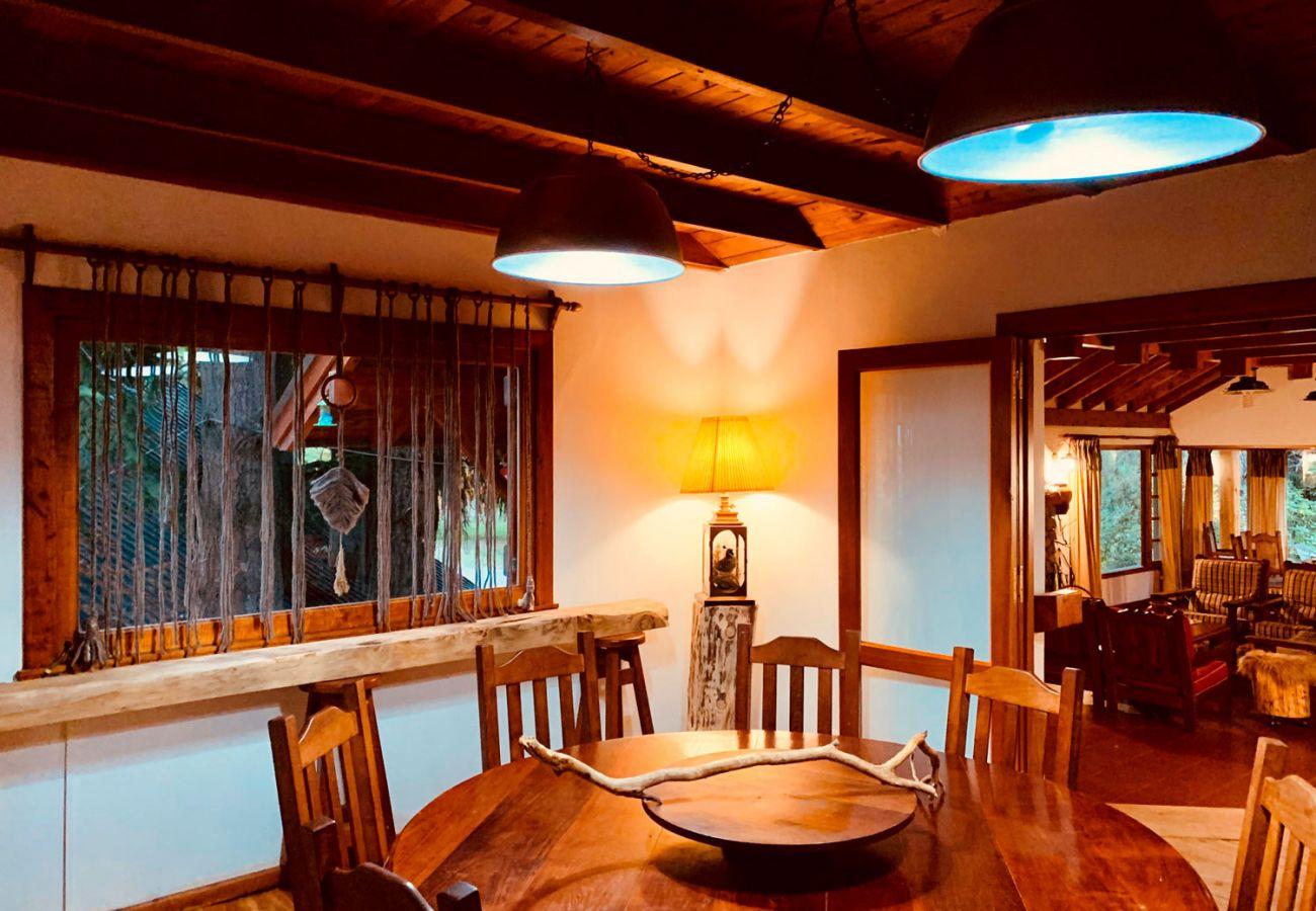 Calido comedor BOG Pichi Ruca Villa La Angostura