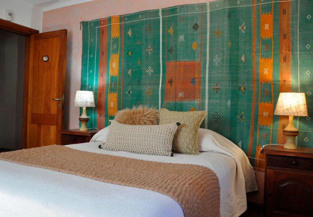 Calido dormitorio amueblado BOG Pichi Ruca Villa La Angostura