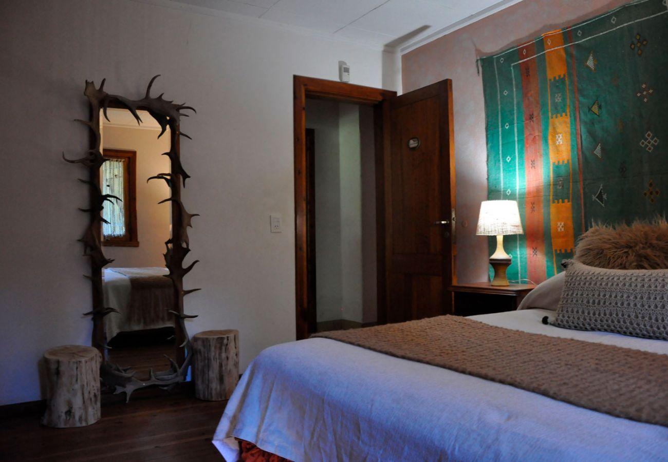 Acogedor dormitorio matrimonial BOG Pichi Ruca Villa La Angostura