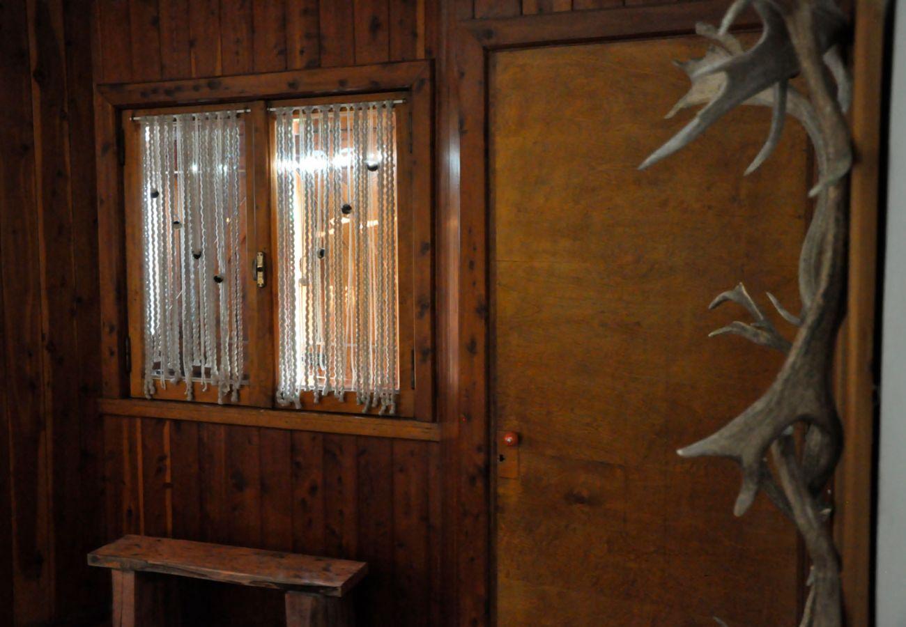 Detalles de la casa en madera BOG Pichi Ruca Villa La Angostura