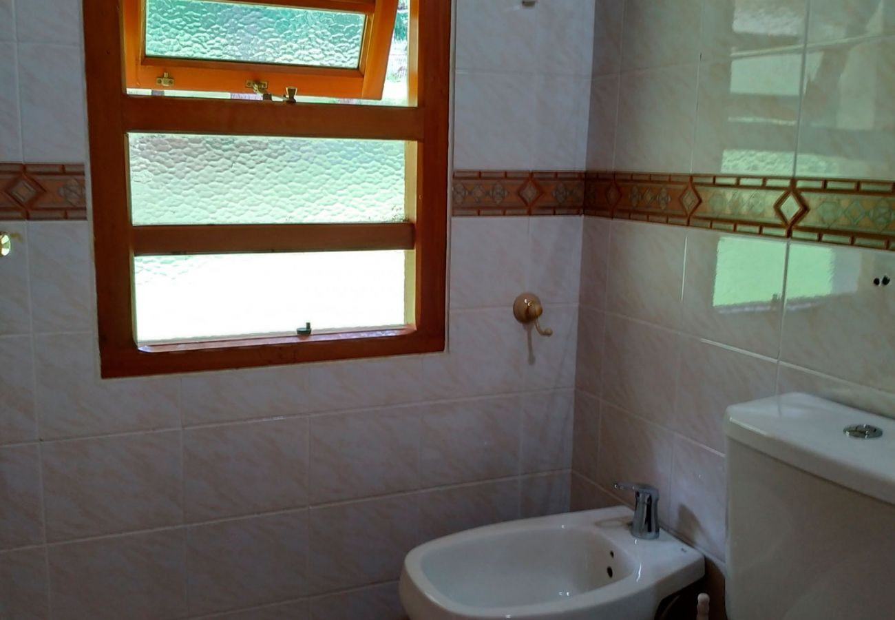 Baño con ventilacion BOG Pichi Ruca Villa La Angostura