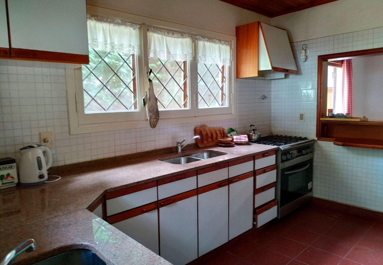 Cocina equipada BOG Pichi Ruca Villa La Angostura