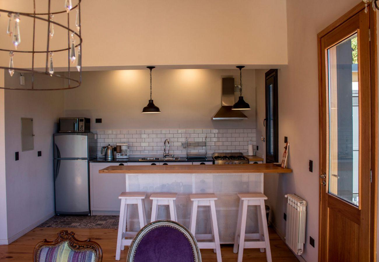 Calida cocina BOG Casa Soñada Villa La Angostura