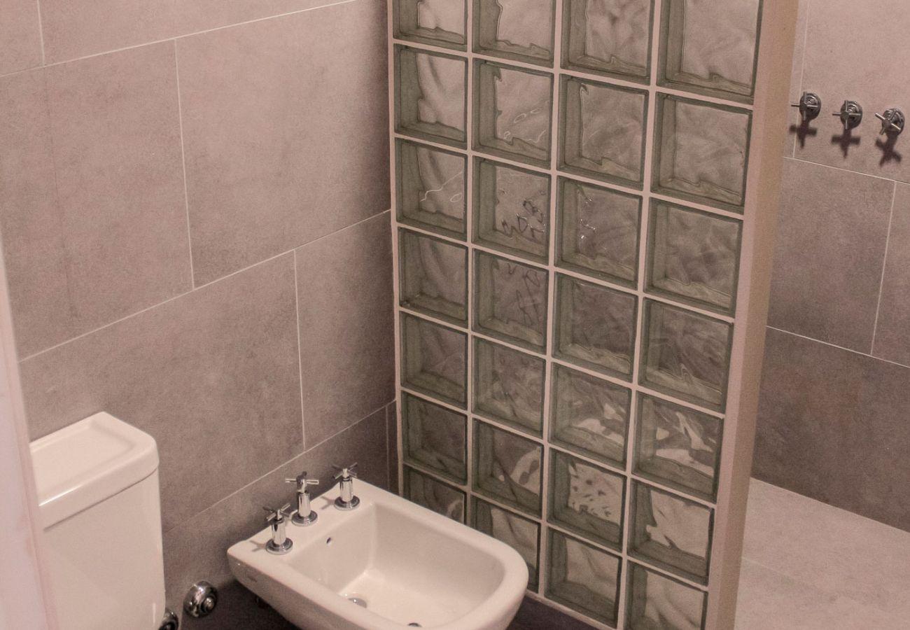 Baño completo BOG Casa Soñada Villa La Angostura