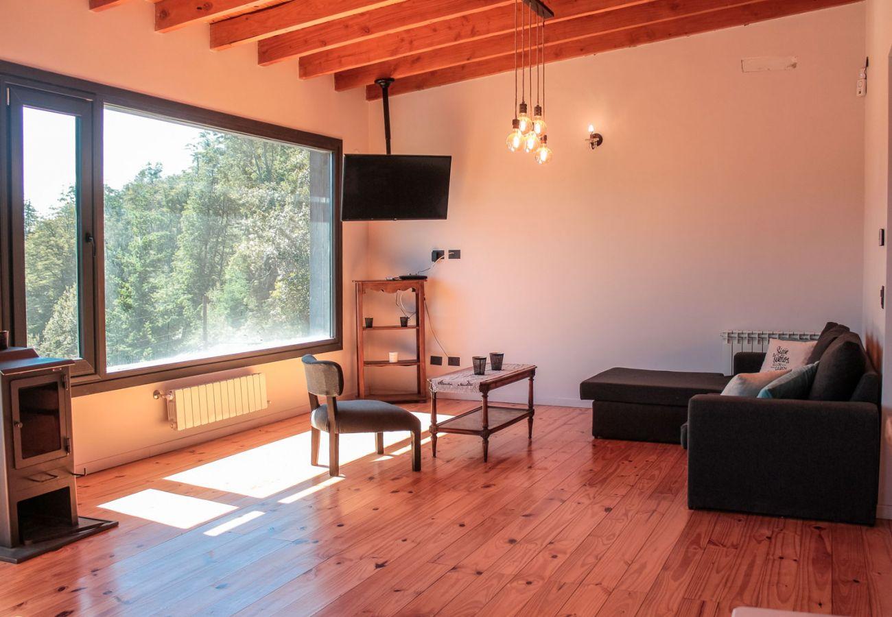 Living con hermosa vista BOG Casa Soñada Villa La Angostura