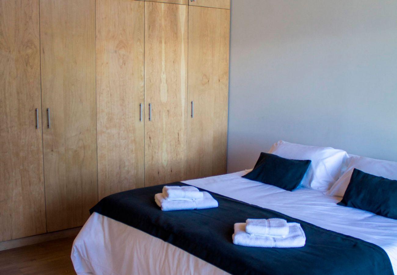 Dormitorio Amueblado BOG JPG Casa con vista al lago Villa La Angostura