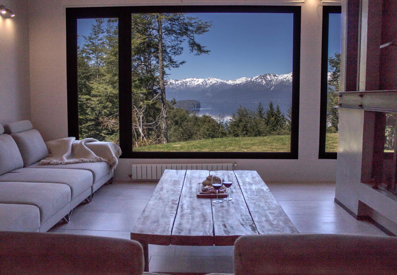 Casa en Villa La Angostura - BOG JPG - Casa con vista al lago