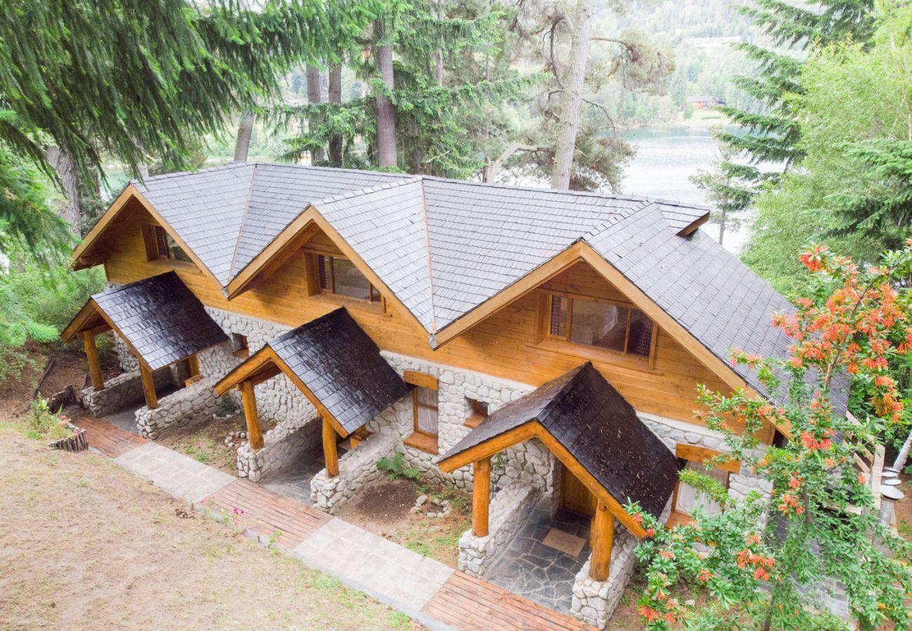 Hermosa cabaña con vista al lago BOG Le Pommier 1 Villa La Angostura