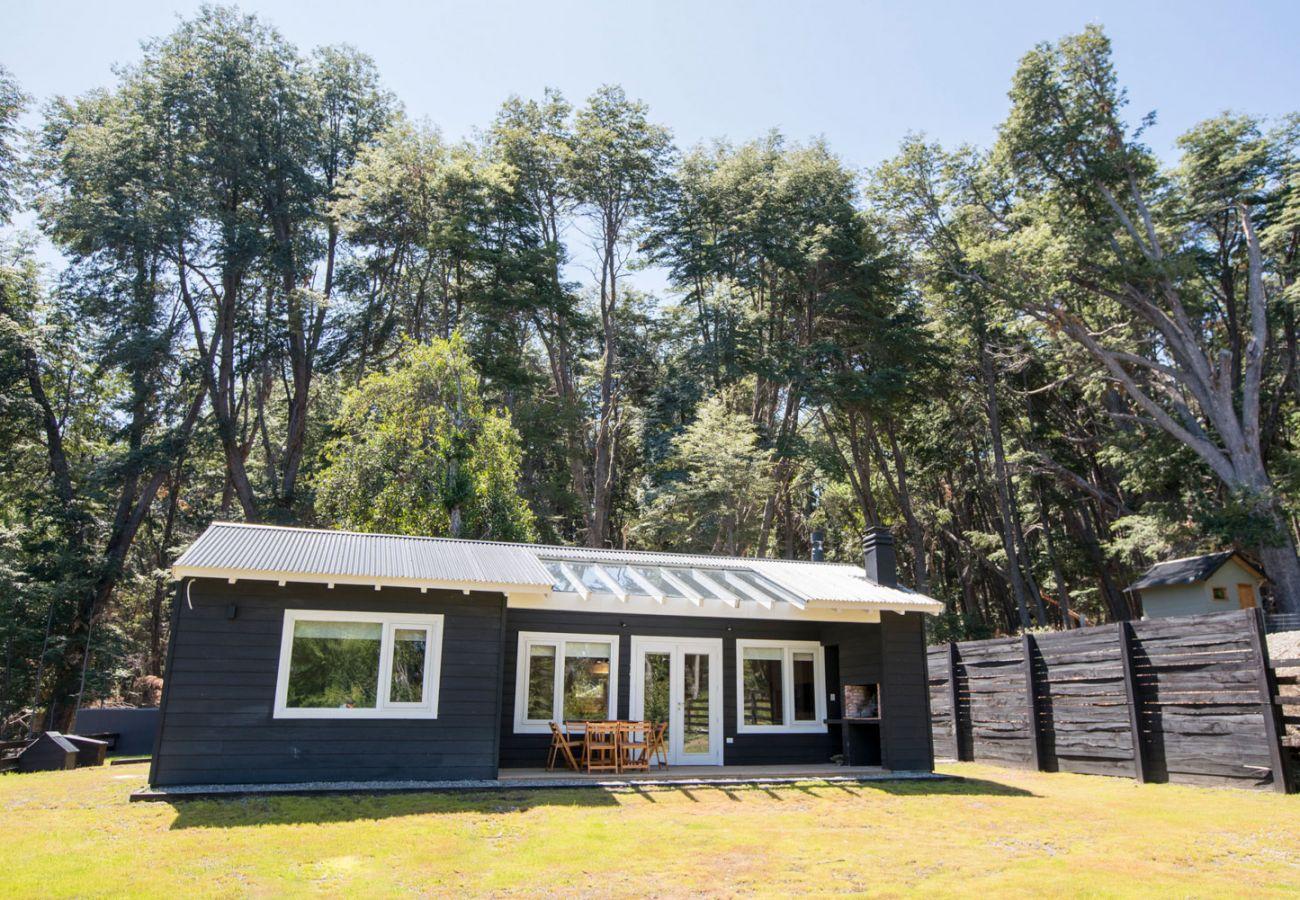 Casa rodeada de coihues BOG Bosque de Manzano 1 Villa La Angostura