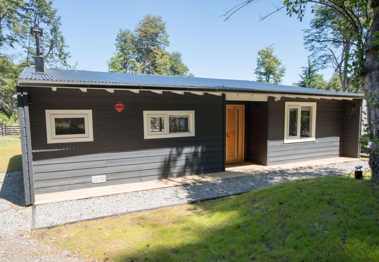 Fachada casa amueblada BOG Bosque de Manzano 1 Villa La Angostura