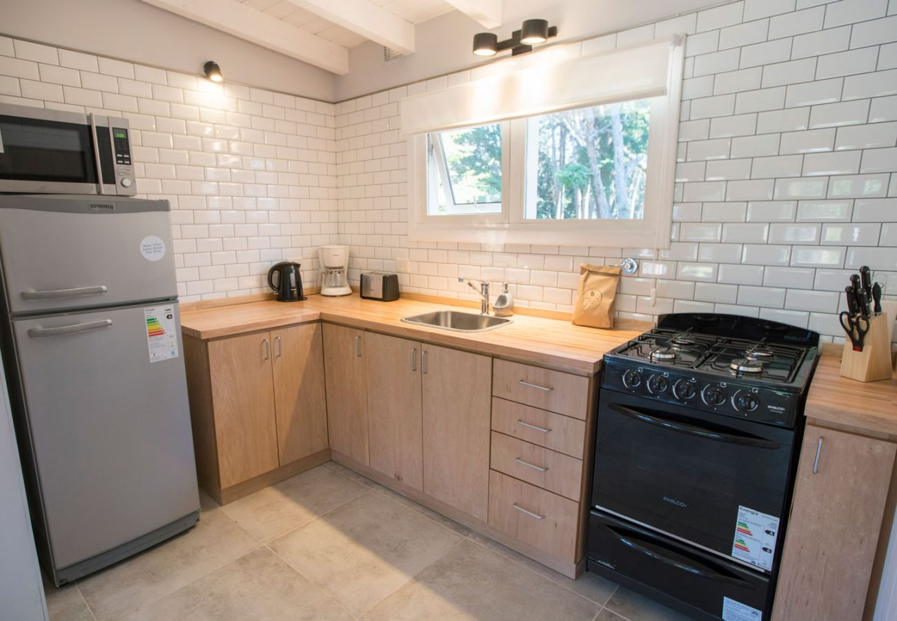 Agradable cocina completa BOG Bosque de Manzano 2 Villa La Angostura