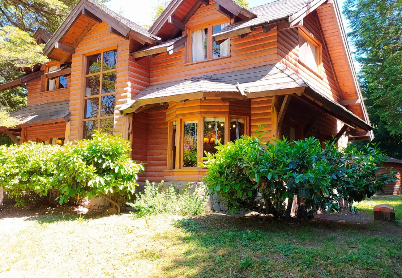 Casa con encanto patagonico BOG Patagon Dreams Villa La Angostura