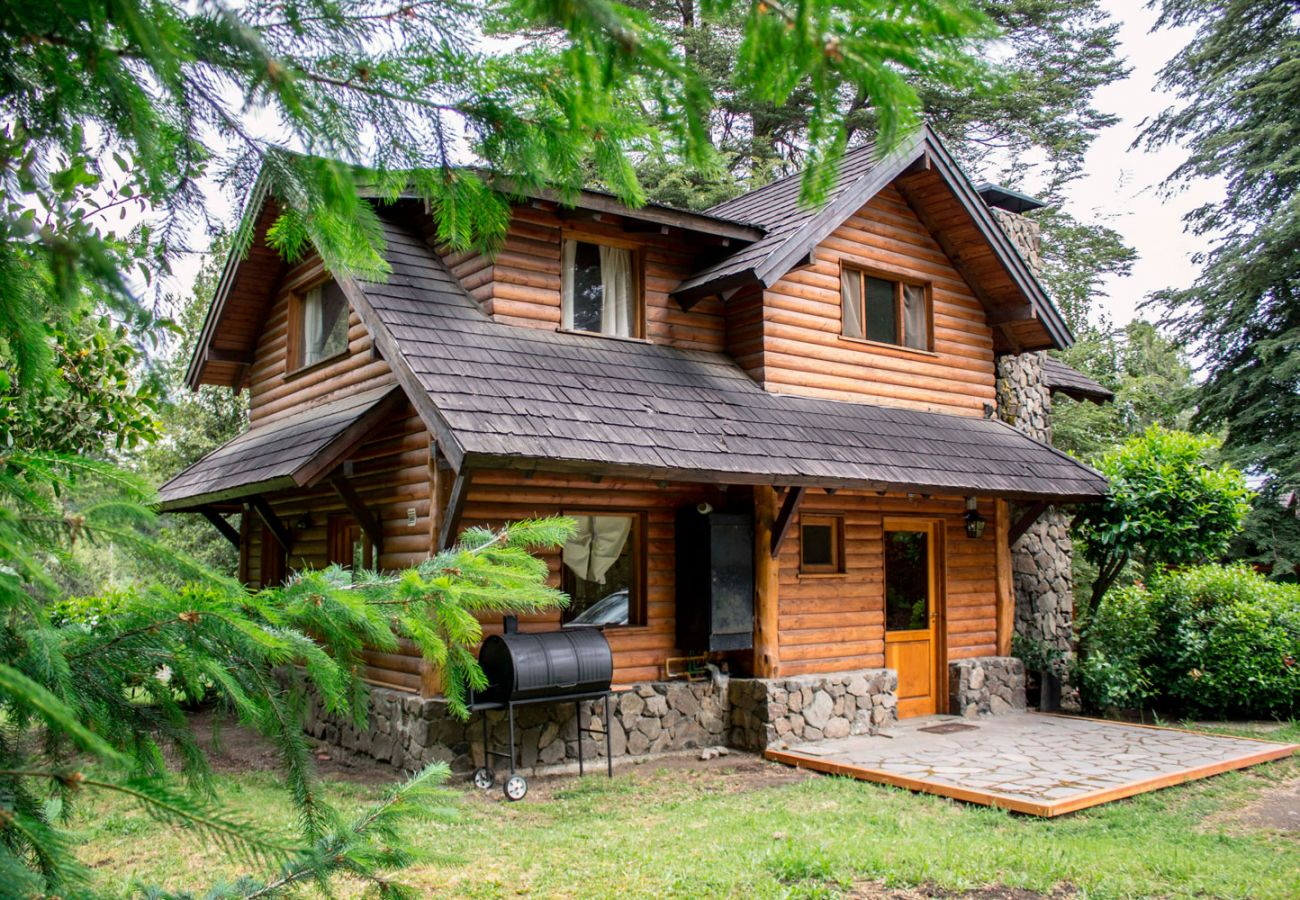 Hermosa casa en la naturaleza BOG Patagon Dreams Villa La Angostura
